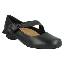 ELLA LORRAINE LADIES CLARKS LEATHER MARY JANE KNOTTED EXTRA WIDE FLAT SHOES