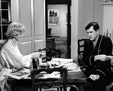 DORIS DAY ROCK HUDSON SEND ME NO FLOWERS BREAKFAST TABLE PHOTO OR POSTER