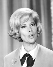 DINAH SHORE FROM TV SHOW PHOTO OR POSTER