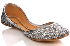 UNZE WOMENS 'NIGA' ADORNED LEATHER FLAT INDIAN PUMP SIZE UK 3-8 SILVER