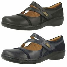 Ladies Clarks Mary Jane Velcro Flat Leather Shoes the Style Evianna Crown-W
