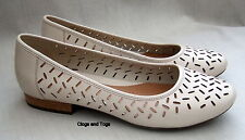 NEW CLARKS ACTIVE AIR HENDERSON SILK WOMENS OFF WHITE LEATHER SHOES SIZE 8 / 42