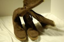 GROOVE WOMEN'S SIZE 8 WEDGE KNEE HIGH BOOTS (PREOWNED)