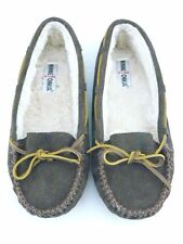 Minnetonka Women's Moccasin Slippers Size11 Chocolate Brown Leather w/cream fur