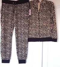 NEW JUICY COUTURE VELOUR PLEATED HOODIE & JOGGER PANTS NATUR LEO TRACKSUIT S-M-L