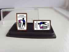 MILLWALL SUPPORTERS KEEP YOUR AREA TIDY BADGE MENS CUFFLINKS GIFT