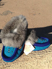 2015 NIB CANADIAN MOCCASINS SLIPPERS SUEDE RABBIT FUR TRIM, AQUA/ ROYAL BLUE