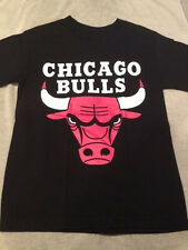 NEW CHICAGO BULLS - BASKETBALL- T- SHIRT S,M,L,XL,XXL