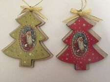 Gisela Graham Christmas Red & Green Wood Tree Shape Santa Plaque Decorations