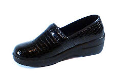 New Nurse Work Shoe Comfortable Clogs Light Weight Crocodile Print