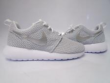 (511882-103) WOMEN'S NIKE ROSHE RUN WHITE/METALLIC PLATINUM