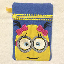 In-The-Hoop ZIP BAG * MINION 2 * Machine Embroidery Patterns * 5x7in hoop