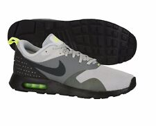 NIKE AIR MAX TAVAS MENS SIZE 11 RUNNING TRAINERS WOLF GREY SHOES NEW GYM