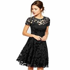 Summer Fashion Short Sleeve O Neck Lace Material Knee-length Dress for Women