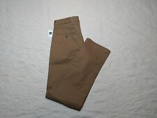 GAP CLEAN KHAKIS CHINO PANTS MENS SIZE 29X32 NEW RELAXED CREAM CARAMEL COLOR NWT