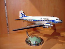 AVION DOUGLAS DC3  DC 3 AIR FRANCE maquette AGENCE 1/72 DESK TOP MODEL