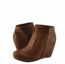 Women's Shoes Bamboo Carmela 23 Platform Hidden Wedge Bootie Chestnut CRP  *New*