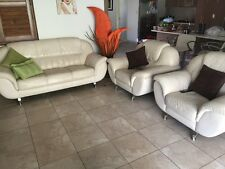 Modern leather lounge 3seaters+1seater+1seater white colour very good condition