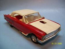 AMT 1961 Ford Galaxie Sunliner Convertible - VGC - 1/25 Annual Screw Chassis