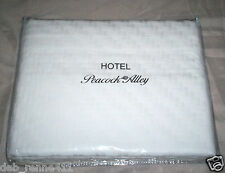 $495 New Peacock Alley Hotel Milano 100% Cotton Matelasse Queen Coverlet White