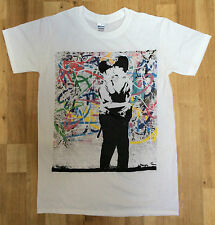 Banksy Kissing Policemen/Coppers Graffiti Street Art Mens White- Graphic T-shirt