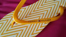 TOMMY HILFIGER WOMENS FLIP FLOPS YELLOW WHITE CHEVRON 9 11
