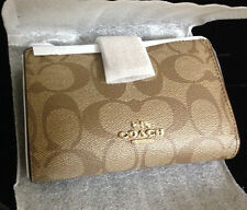 NWT Coach Signature Medium Corner Zip Around Khaki Saddle Wallet $165 F53562