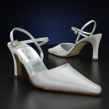 "Salon ""Victoria"" White or Ivory Wedding Shoes"