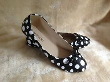 Ladies black and white polka dot flat shoes, pumps, ballet style. Size 3 4 5 6 7