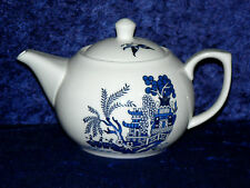 Blue Willow pattern 2 cup or 6 cup white porcelain teapot
