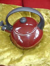 CROFTON CHEF'S COLLECTION WHISTLING KETTLE MAROON