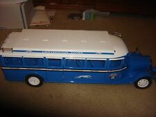 RETRO 123 GREYHOUND BUS LARGE SCALE LIMITED EDITION  135 Of 275 DIE CAST RARE