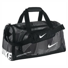 NIKE NEW TEAM TRAINING SMALL DUFFLE BAG/GYM TRAVEL BAG NWT WET/DRY BLACK/WHITE