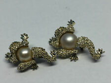 Vintage Gold Tone Frog with Faux Pearl Pair of Scatter Pins Lot of 2