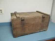 VINTAGE WOODEN AMMUNITION CRATE BOX HINGED CRATE PROJECTILE ARMY