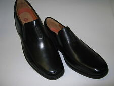 CLARKS MENS UN STRUCTURED  FORMAL / CASUAL SLIP ON SHOES IN BLACK LEATHER