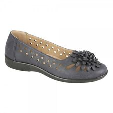 Boulevard Ladies Womens Cut Out Pattern Floral Brooch Ballet Flats Navy Blue