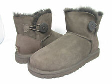 NEW WOMEN BOOT UGG AUSTRALIA MINI BAILEY BUTTON CHOCOLATE BROWN 3352 ORIGINAL