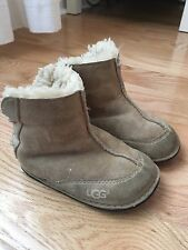 Ugg boots toddler size M