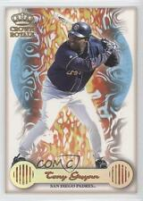 1999 Pacific Crown Royale Pivotal Players #21 Tony Gwynn San Diego Padres Card