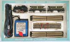 Marklin HO train set - Locomotive, 2 Passenger Cars, Tracks, Power