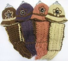 HAND MADE HAT & SCARF SETS 90552 FLOWER DETAIL