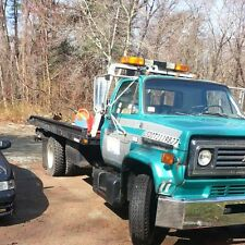 Medium duty rollback w/wheel lift  2 1/2 ton tow truck chevron bed (No reserve)