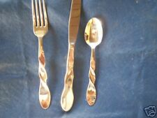 ONEIDA STAINLESS 3 PC. PLACE SETTING(S) HELIX