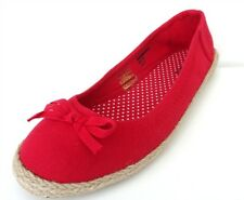 BRAND NEW WITH TAGS EX BARRATTS LADIES/GIRLS RED OR GREEN CANVAS PUMPS SIZE 4
