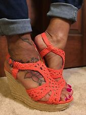 NWT-GIANNI BINI CORAL COLOR FABRIC w/LEATHER STRAP WEDGES (Sz Varies)