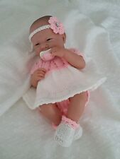 HAND KNITTED REBORN BABY BERENGUER 5 PIECE CLOTHES OUTFIT INCLUDING DUMMY.