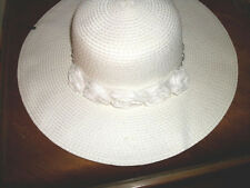 NWT  WHITE  STRAW HAT w  FLOWERS EASTER WEDDING BEACh VACATION