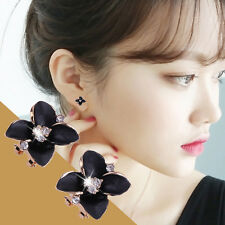 1 Pair of Elegant Fashion Shiny Alloy and Rhinestone Leaf Clover Stud Earrings E