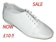 White Soft Leather Rubber Sole Jazz Dance Shoes.